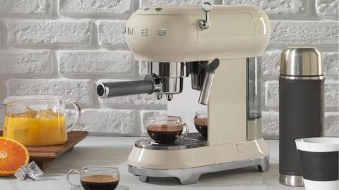 smeg ecf01 macchina caffè