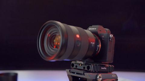 Fotocamera FullFrame con obiettivo