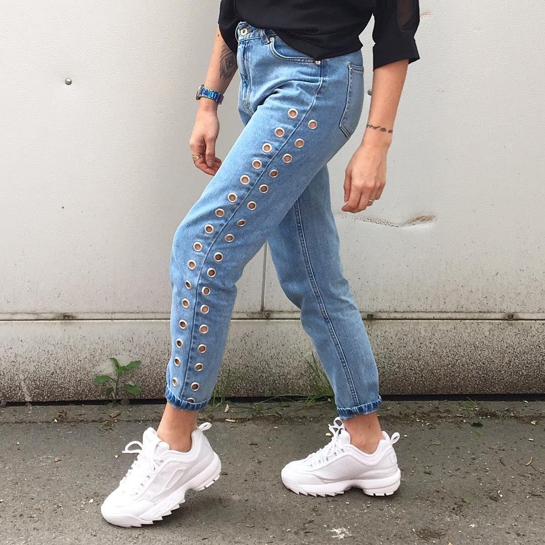 5 outfit casual per indossare le sneakers in primavera