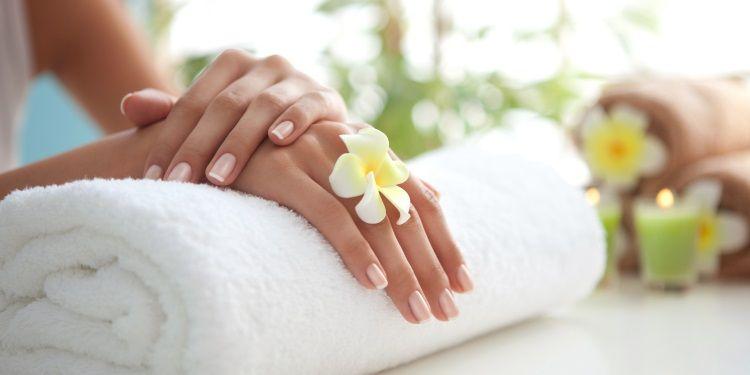 unghie forti primavera