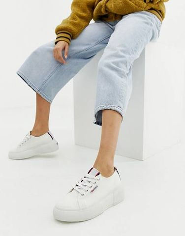 Superga bianche outfit