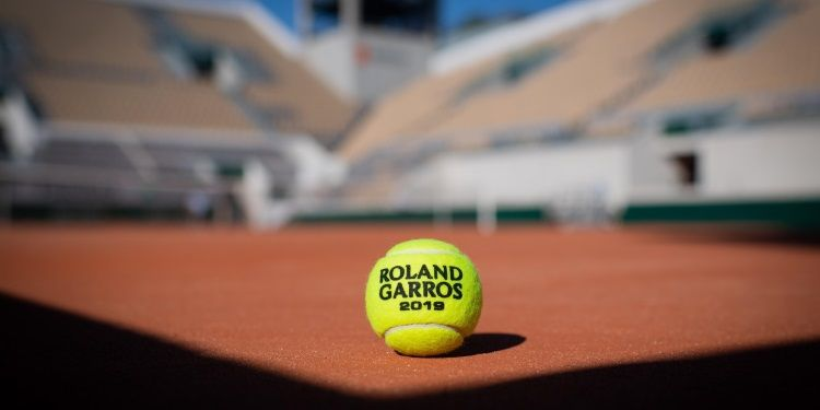 Balle dans Paris, Roland-Garros 2019, Photo : Christophe Guibbaud / FFT