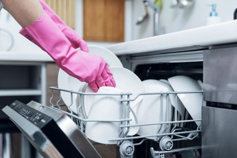 pulire la lavastoviglie con il bicarbonato di sodio