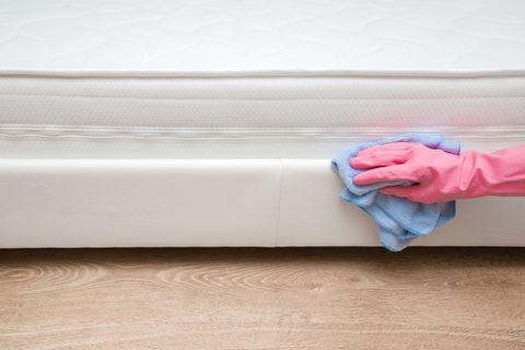 pulire il materasso con il bicarbonato