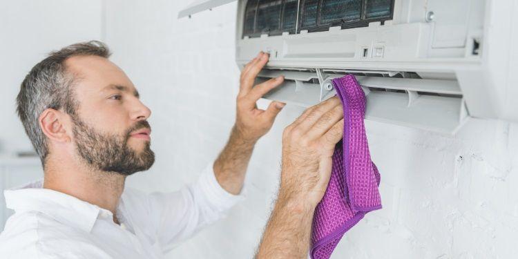 come pulire il condizionatore