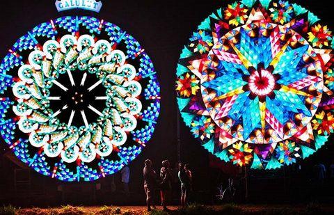 filippine festival delle lanterne giganti