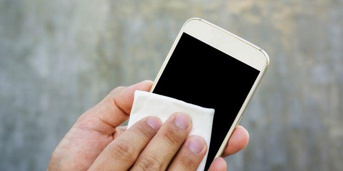 come disinfettare lo smartphone