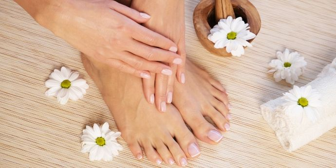 Come fare manicure e pedicure in casa