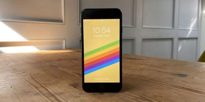 iPhone SE 2020 copertina
