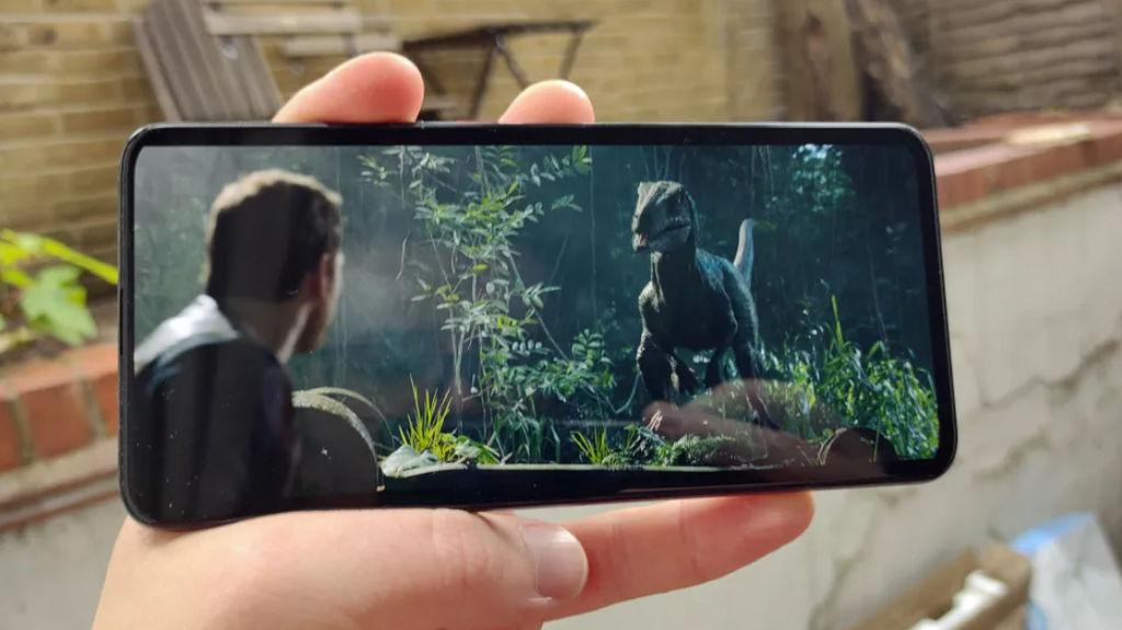 Xiaomi Poco F2 Pro 5G display