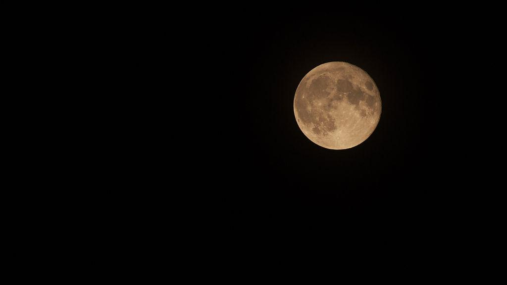 Fotografare la luna con la macchina fotografica