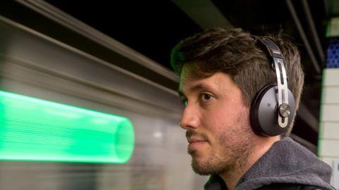 Sennheiser Momentum 2 Around-Ear Wireless