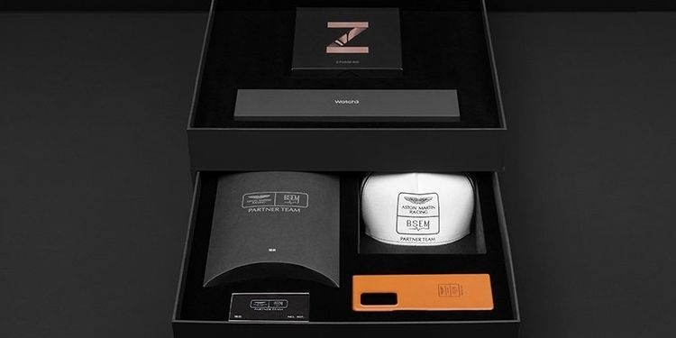 Samsung Galaxy Z Fold 2 Aston Martin