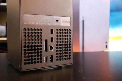 Xbox Series X Posteriore-console