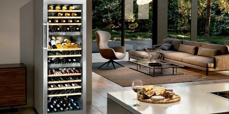 Cantinetta per vino in salotto