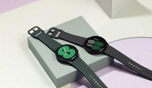 galaxy watch 4 black and green