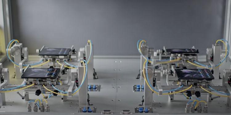 Galaxy Z Fold3 test resistenza
