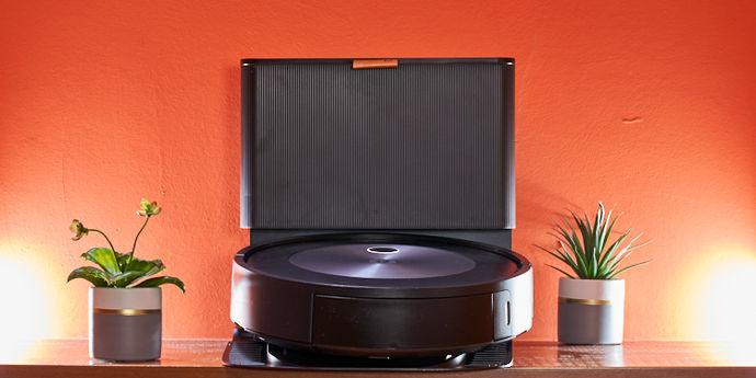 iRobot Roomba J7+ copertina