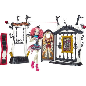 Mattel Monster High Freak du Chic Circus Scaregrounds & Rochelle Goyle