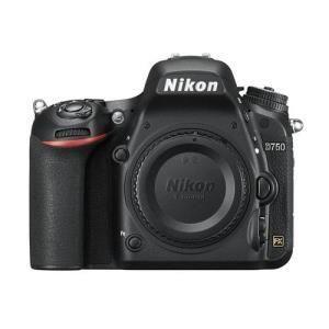 Nikon D750 (solo corpo)
